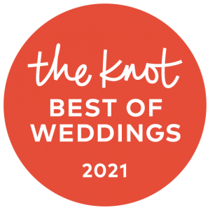 the knot best of weddings 2021 badge awarded to Houston Wedding Photographer Thomas Ross Photography